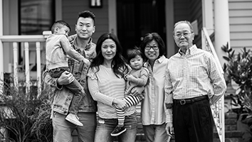 Multigenerational Asian fmaily